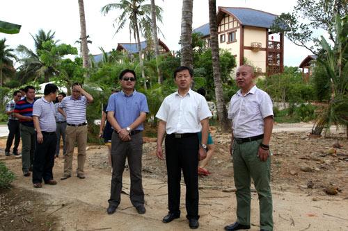 展示了项目推进新型城镇化建设的成果及农民生活的